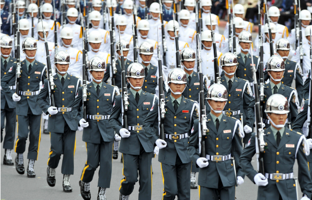 taiwan_soldiers_edited_